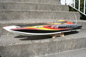 Das-RC-Modellbau-Boot-und-Rennboot-Genesis-ist-935mm-lang-300x200 in RC Modellbau Boot Genesis